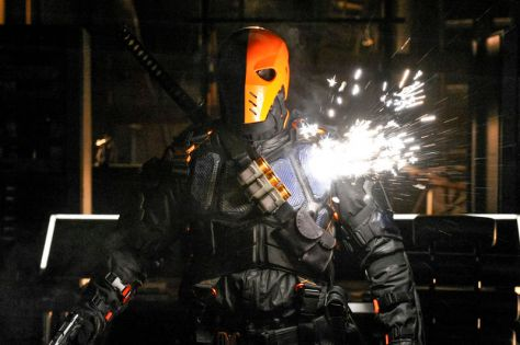 manu-bennett-deathstroke-agrees-with-arrow-currently-being-a-terrible-love-story-will-526065.jpg